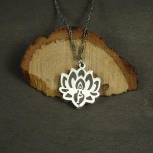 Bijou fleur de lotus : bijou diffuseur d'huile essentielle
