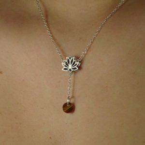 "Bijou original ""Fleur de lotus"" en argent"